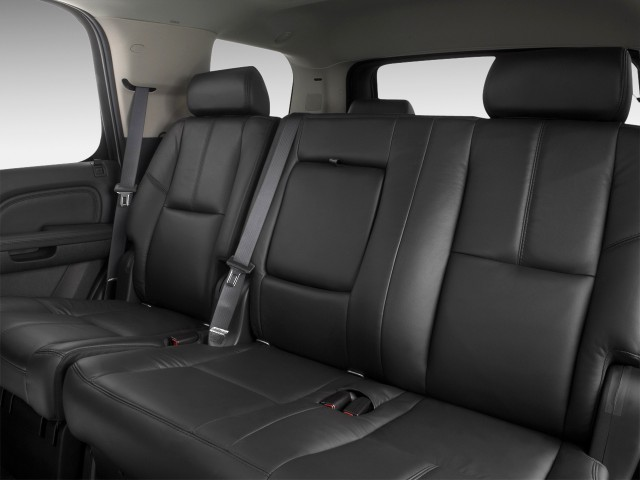 ���� 2012 ���� 2012 ���� 2011-gmc-yukon-2wd-4-door-1500-denali-rear-seats_100335460_m.jpg