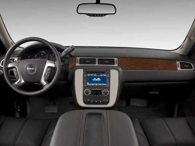���� 2012 ���� 2012 ���� 2011-gmc-yukon-2wd-4-door-1500-slt-dashboard_100338099_m.jpg