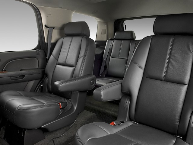 ���� 2012 ���� 2012 ���� 2011-gmc-yukon-2wd-4-door-1500-slt-rear-seats_100338113_m.jpg