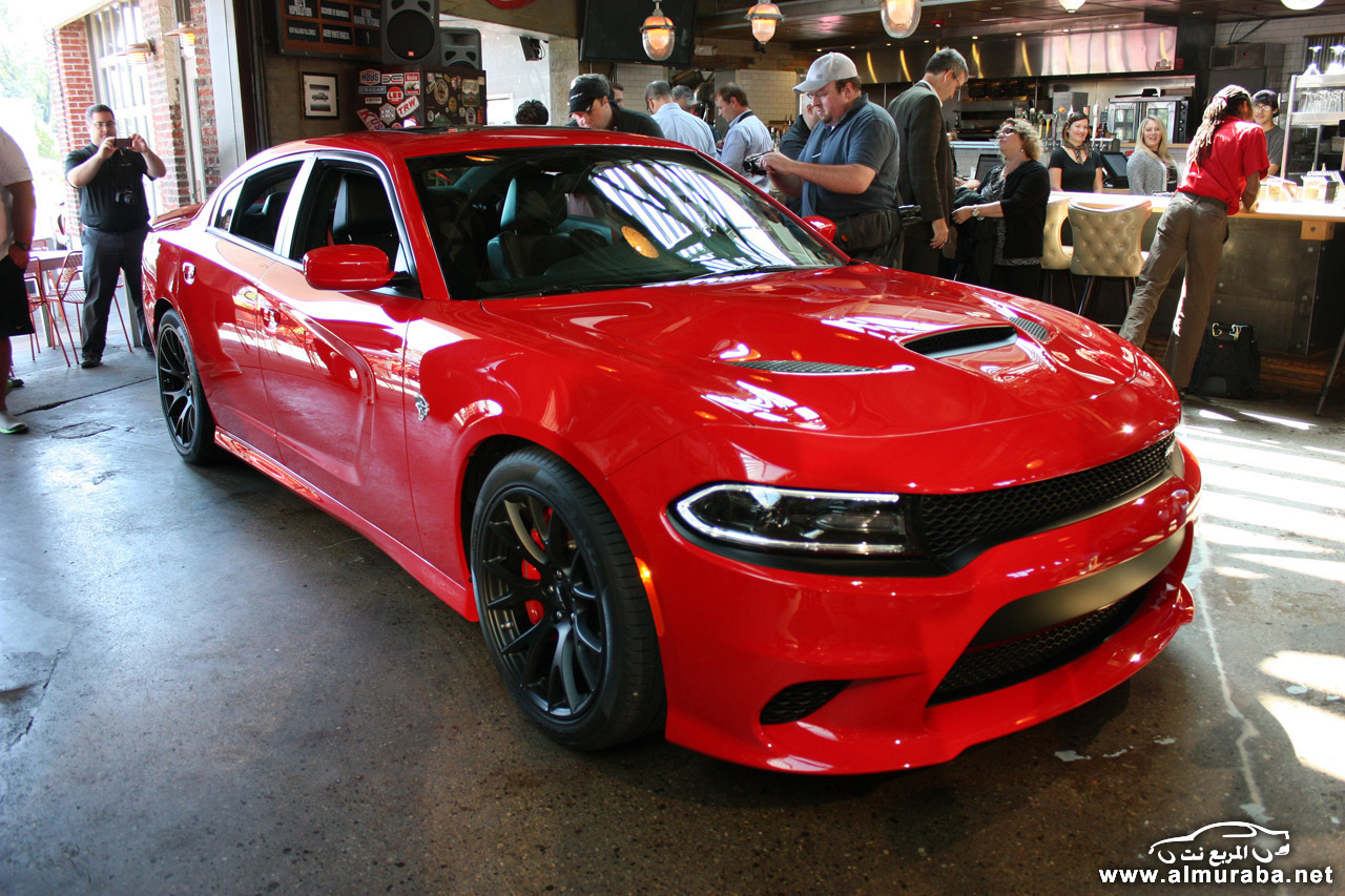 002-2015-dodge-charger-srt-hellcat-1
