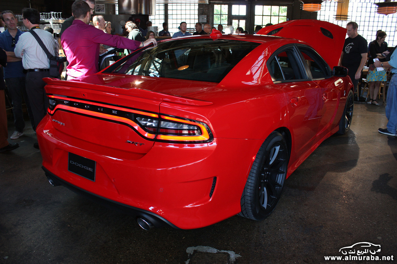 008-2015-dodge-charger-srt-hellcat-1