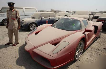 """الفرق بين حجز السيارات في مرور مدينة دبي ومرور مدينة الرياض """"بالصور"""""""