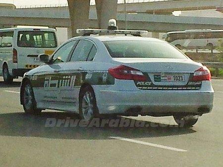 شرطة دبي تستخدم هيونداي جينسيس الفاخرة في عملياتها رسمياً بعد إضافة الفيراري والامبورجيني