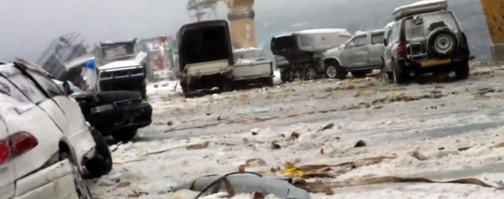 cargo-ship-loses-52-cars-during-storm-video-63890-7