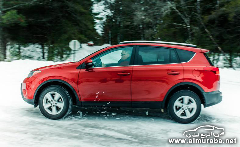 2014 honda cr v vs 2014 hyundai tucson the car connection for Honda crv vs toyota rav4 2014
