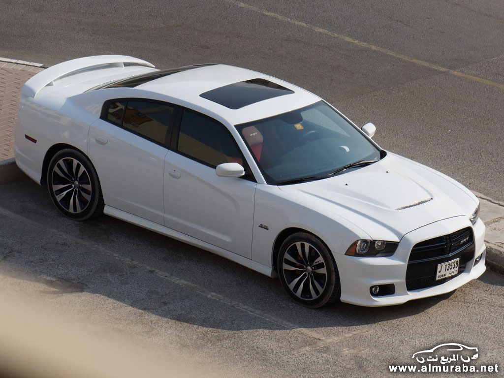 2014-Dodge-Charger-SRT8