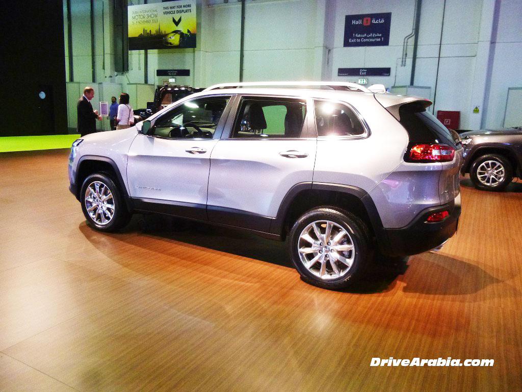 """شيروكي 2014 تظهر للمرة الأولى في """"الخليج"""" بشكلها الجديد كلياً Jeep Cherokee   المربع نت"""