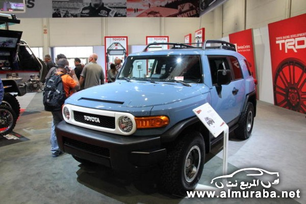 2014-Toyota-FJ-Cruiser-Trail-Teams-Ultimate-Edition-2