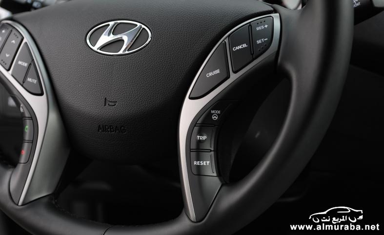 2014 hyundai elantra limited steering wheel photo 554076 s 787x481 مواصفات هيونداي النترا 2014 كوبيه و سيدان و GT    Hyundai Elantra