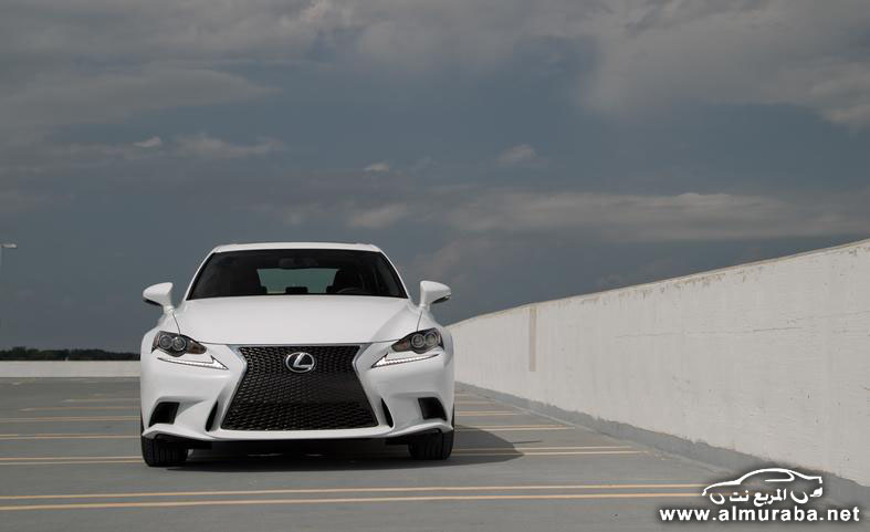 2014-lexus-is250-f-sport-awd-photo-552799-s-787x481