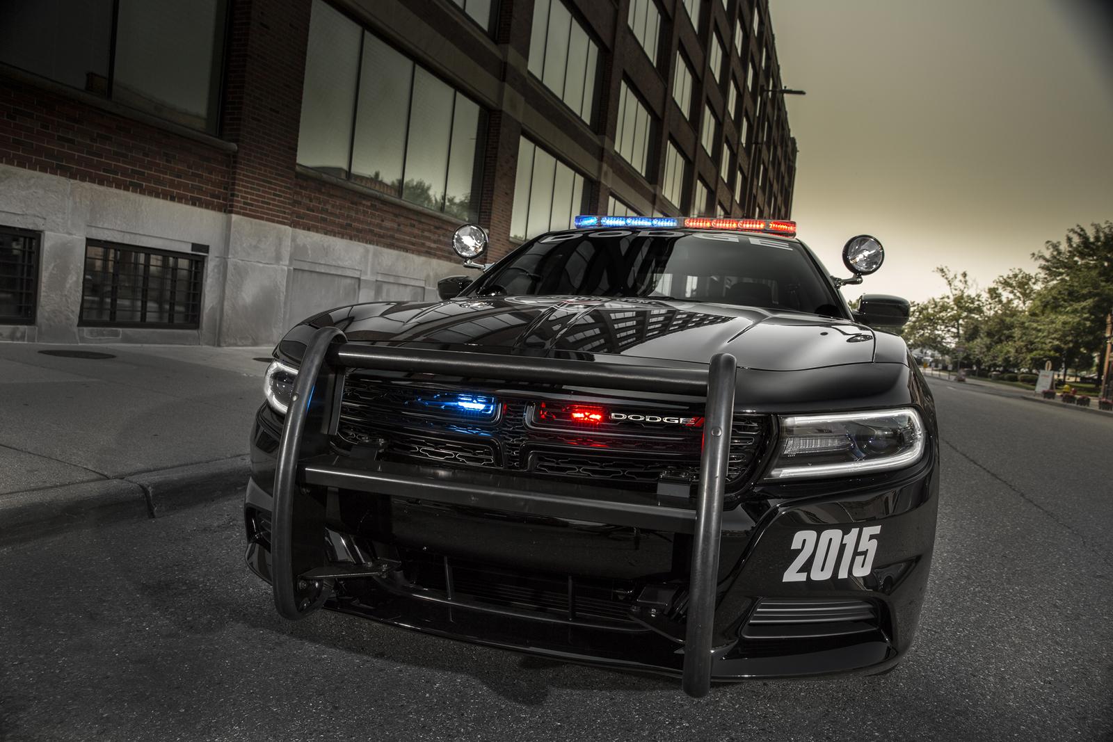 2015-Dodge-Charger-Pursuit-5