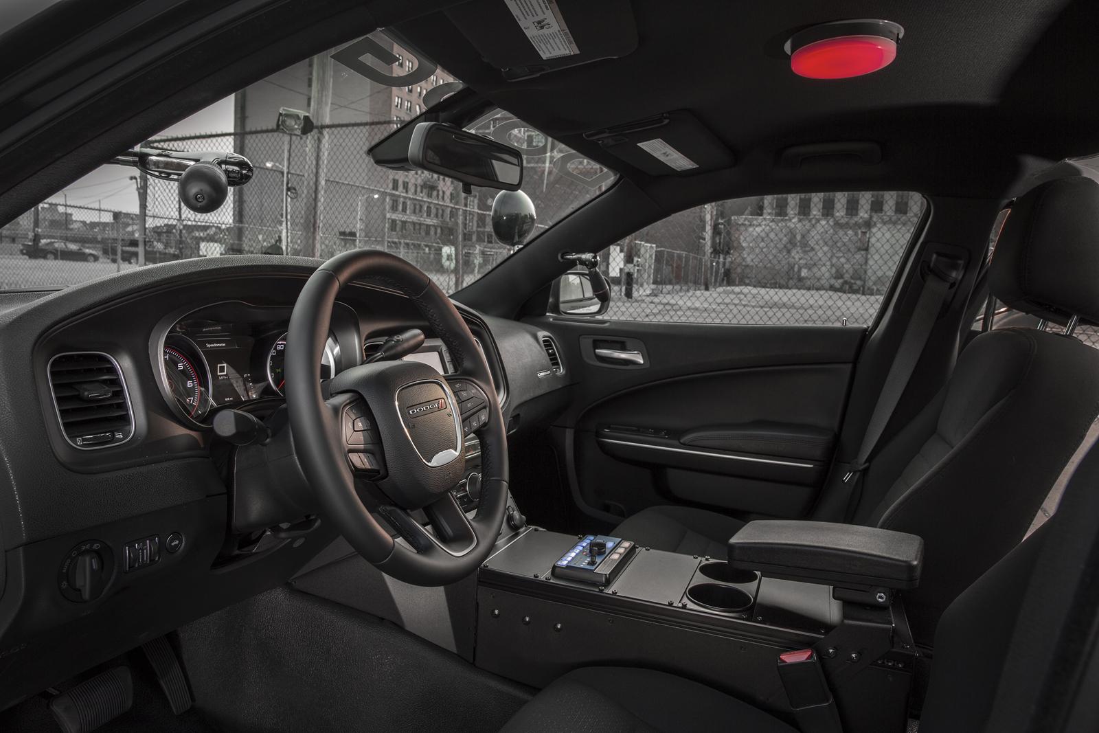 2015-Dodge-Charger-Pursuit-7