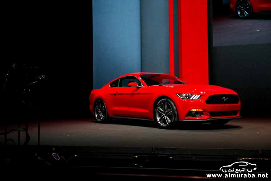 2015-Ford-Mustang-Live-57[2]