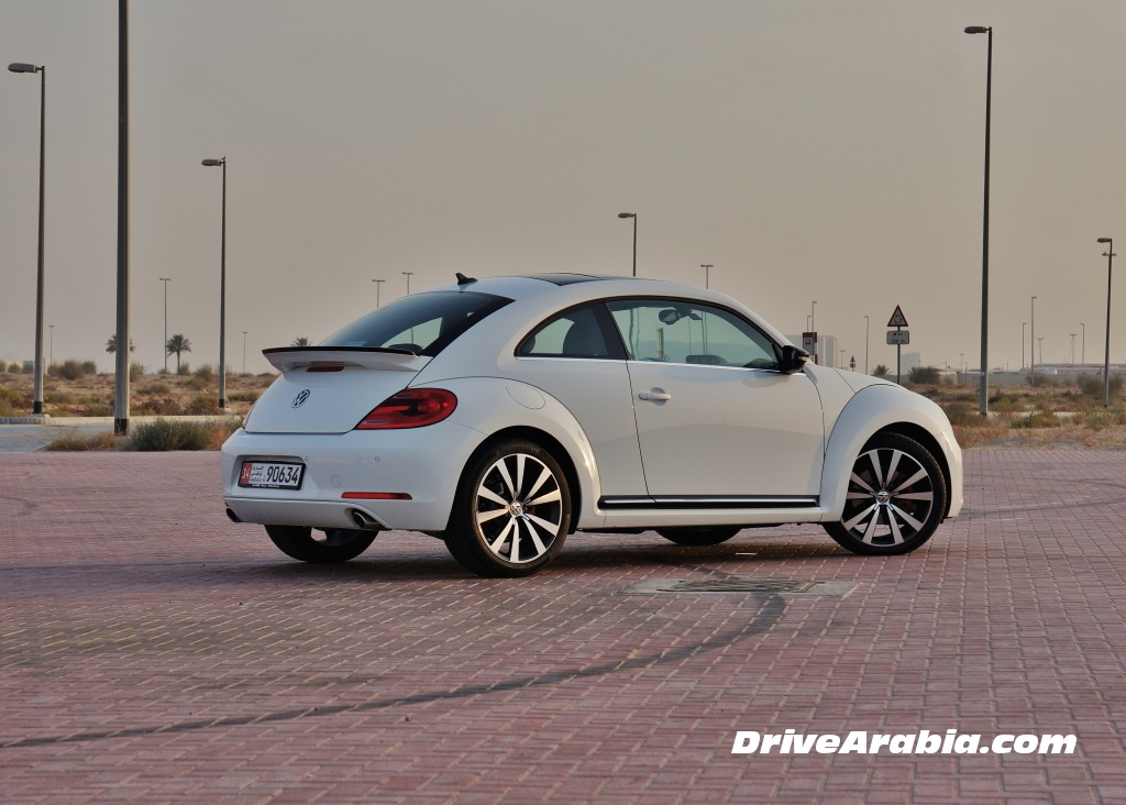 2015-Volkswagen-Beetle-in-the-UAE-3