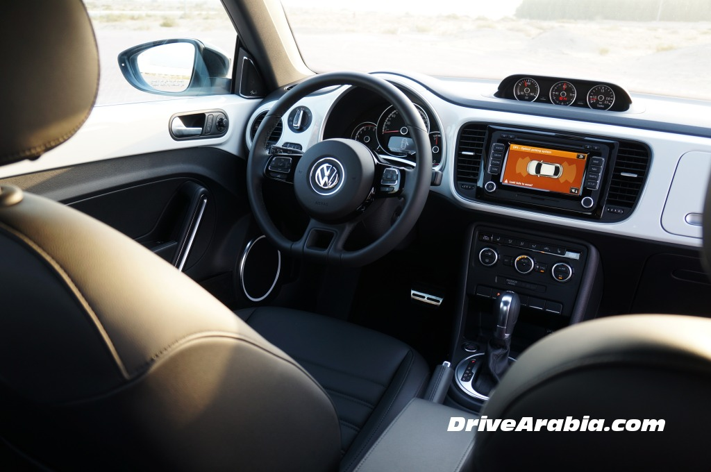 2015-Volkswagen-Beetle-in-the-UAE-4