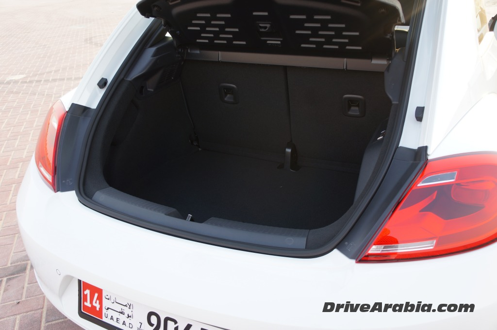 2015-Volkswagen-Beetle-in-the-UAE-6