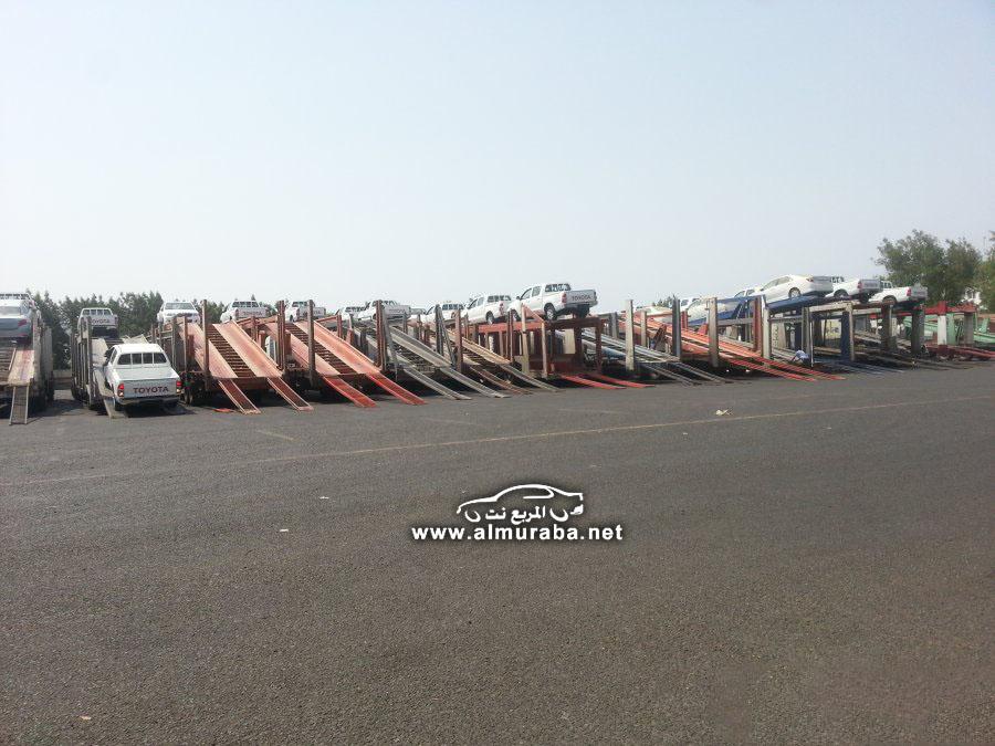لحظة وصول السيارات في الميناء