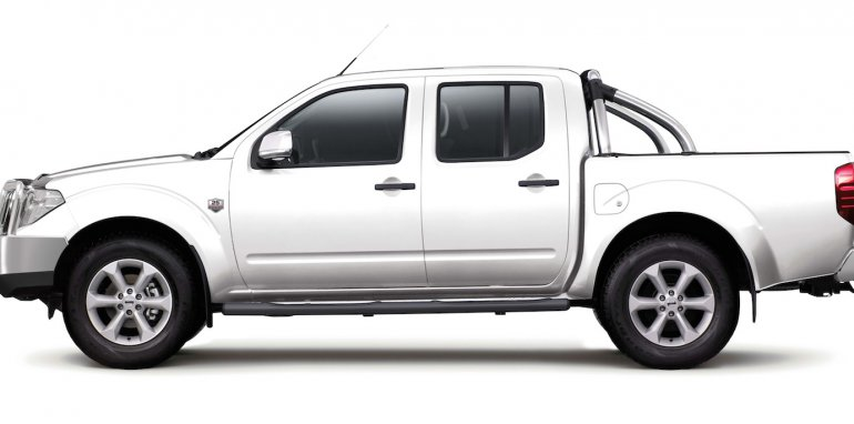 Nissan-Navara-25th-Anniversary-Limited-Edition-5