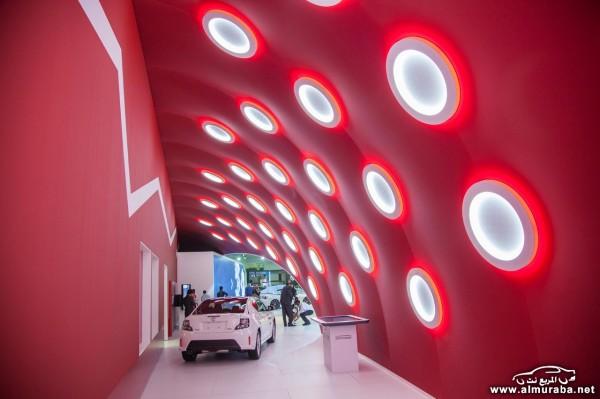 Toyota-Dubai-Motor-Show-8[2]