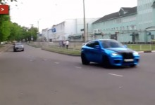 """بالفيديو"" سباق بين بي ام دبليو X6M ومرسيدس بنز ML63 AMG"