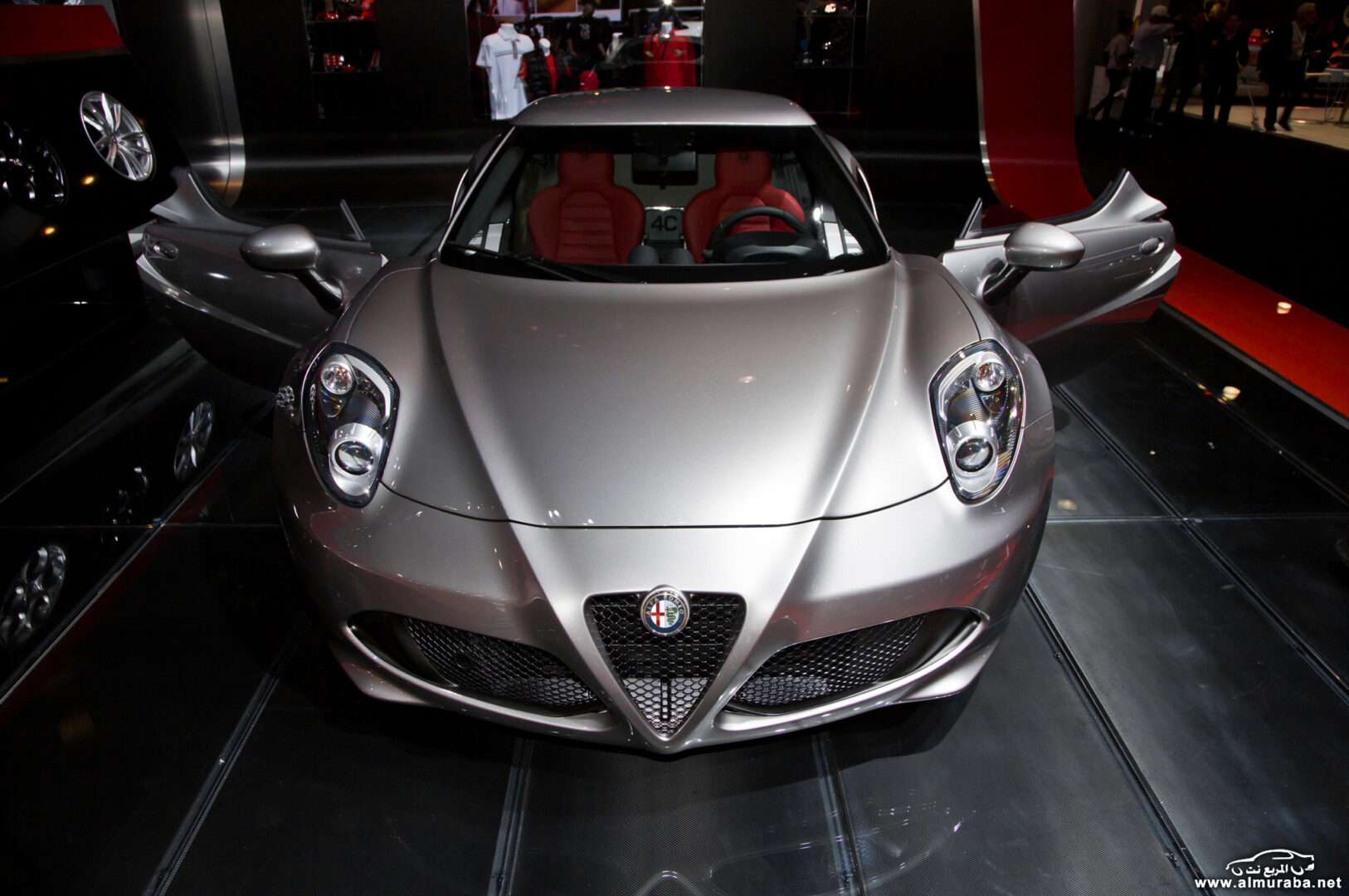 http---image.motortrend.com-f-wot-1404_2015_alfa_romeo_4c_launch_edition_arrives_this_june-72848034-2015-Alfa-Romeo-4C-Launch-Edition-front-end-02