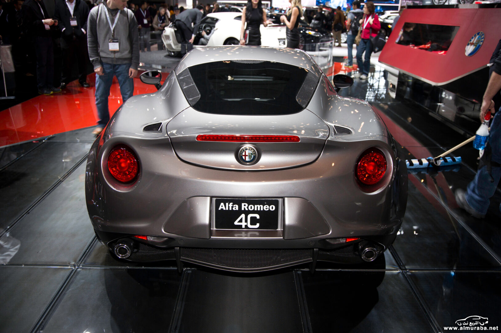 http---image.motortrend.com-f-wot-1404_2015_alfa_romeo_4c_launch_edition_arrives_this_june-72848097-2015-Alfa-Romeo-4C-Launch-Edition-rear-end-02