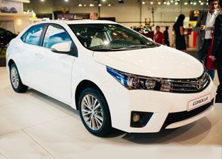 """تويوتا كورولا 2014 نجمة معرض دبي للسيارات لهذا العام """"صور"""" Toyota Corolla"""