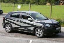 """""""صور تجسسية"""" ترصد هوندا HR-V 2015 الجديدة من الداخل والخارج Honda 2015"""