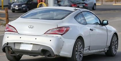 """بالصور"" هيونداي جينسيس 2017 تظهر لأول مرة خلال اختبارها Genesis Coupe"