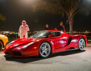 """""""بالصور والفيديو"""" مدينة جدة تشهد أكبر تجمع للسيارات """"قهوة وسيارات"""" الخارقة بملايين الريالات"""