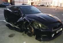 """""""فيديو"""" سائق نيسان GT-R يسيطر على سيارته بعد إنفجار إطارها بسرعة 320كم/س"""