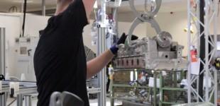 """فيديو"" شاهد عملية صنع محرك سيارة مرسيدس ايه ام جي 12 سلندر Mercedes AMG"