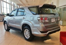 """""""بالصور"""" تويوتا فورتشنر 2015 نسخة TRD الرياضية تصل الى دبي Toyota Fortuner"""