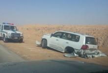 """""""بالصور""""دفرنس تويوتا لاندكروزر الجديدة ينفصل عن السيارة بعد وقوع حادث ومالكها ينجو"""