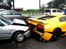 lamborghini_murcielago_rear_end_daihatsu_malaysia_crash_11.cr7yq1s8zls0kow8cg880w4ss.a5fuq7lrqzkgc0ccw4ss08gso.th