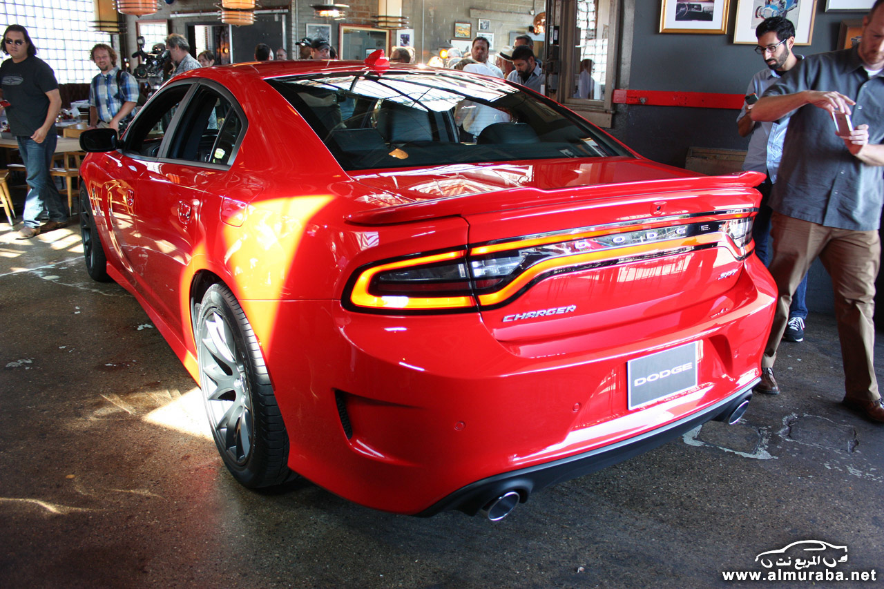 005-2015-dodge-charger-srt-hellcat-1