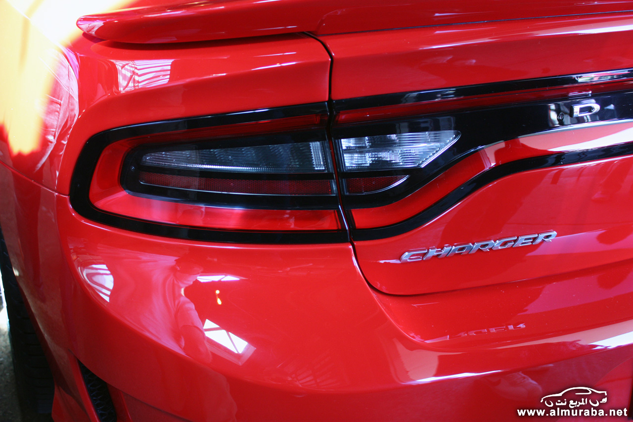 010-2015-dodge-charger-srt-hellcat-1
