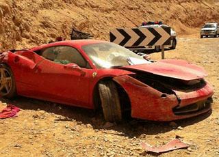 """""""بالصور"""" حادث فيراري 458 ايطاليا في فلسطين المحتلة تصبح """"خردة"""" Ferrari 458 Italia"""