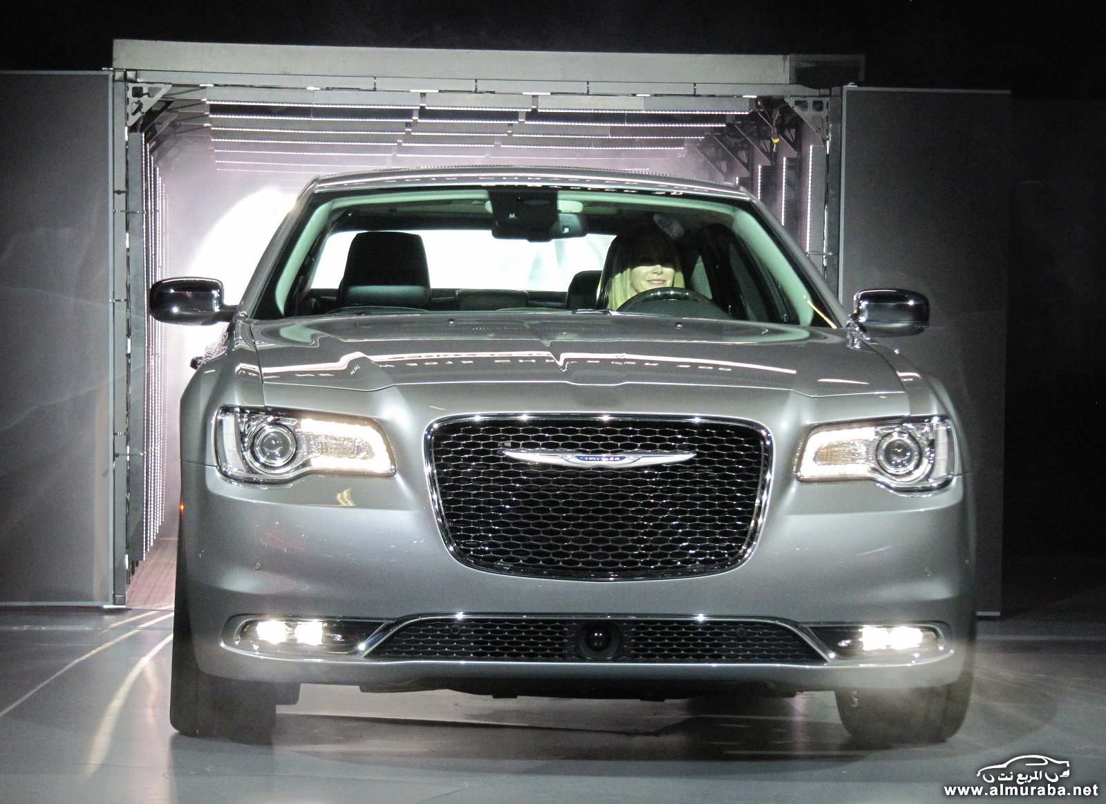 2015-chrysler-300-unveiled-at-2014-los-angeles-auto-show_100490792_h