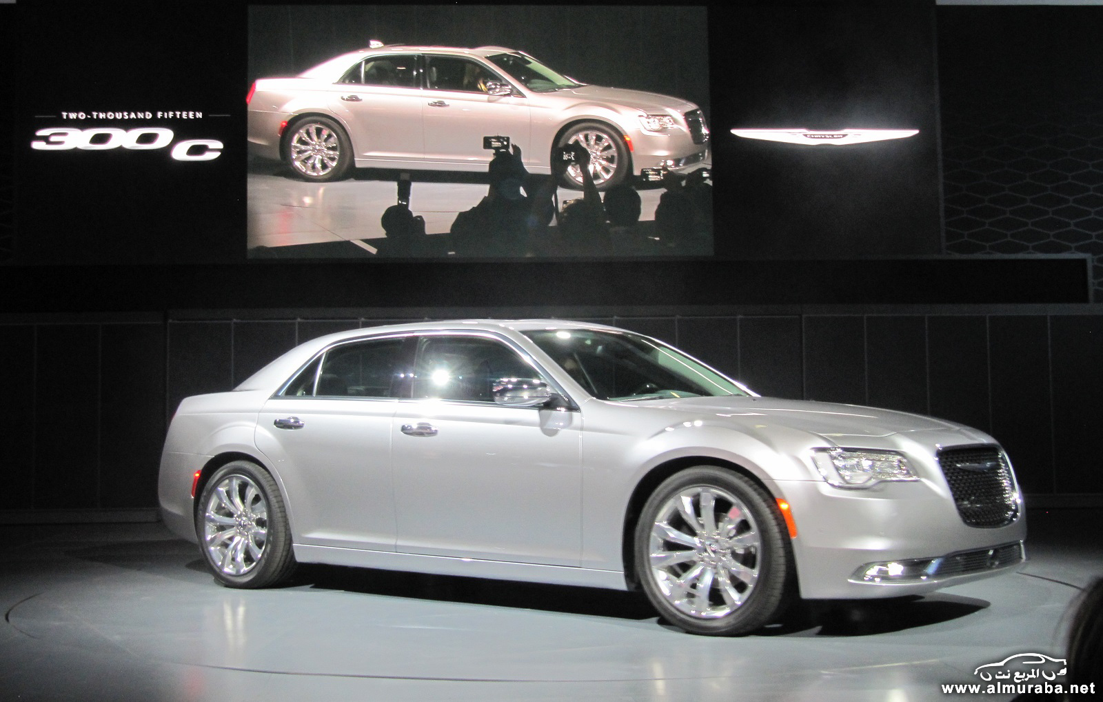 2015-chrysler-300-unveiled-at-2014-los-angeles-auto-show_100490794_h