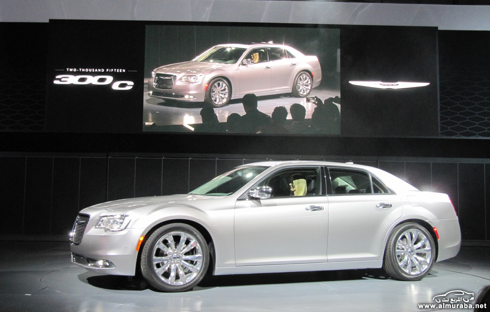 2015-chrysler-300-unveiled-at-2014-los-angeles-auto-show_100490795_h