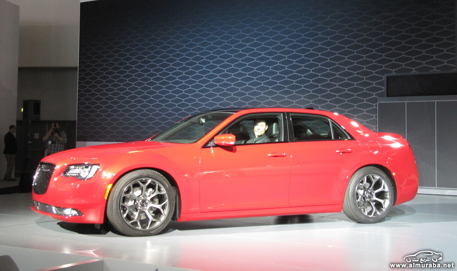 2015-chrysler-300-unveiled-at-2014-los-angeles-auto-show_100490797_h
