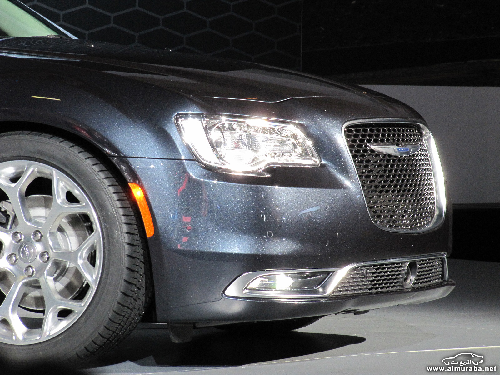 2015-chrysler-300-unveiled-at-2014-los-angeles-auto-show_100490799_h