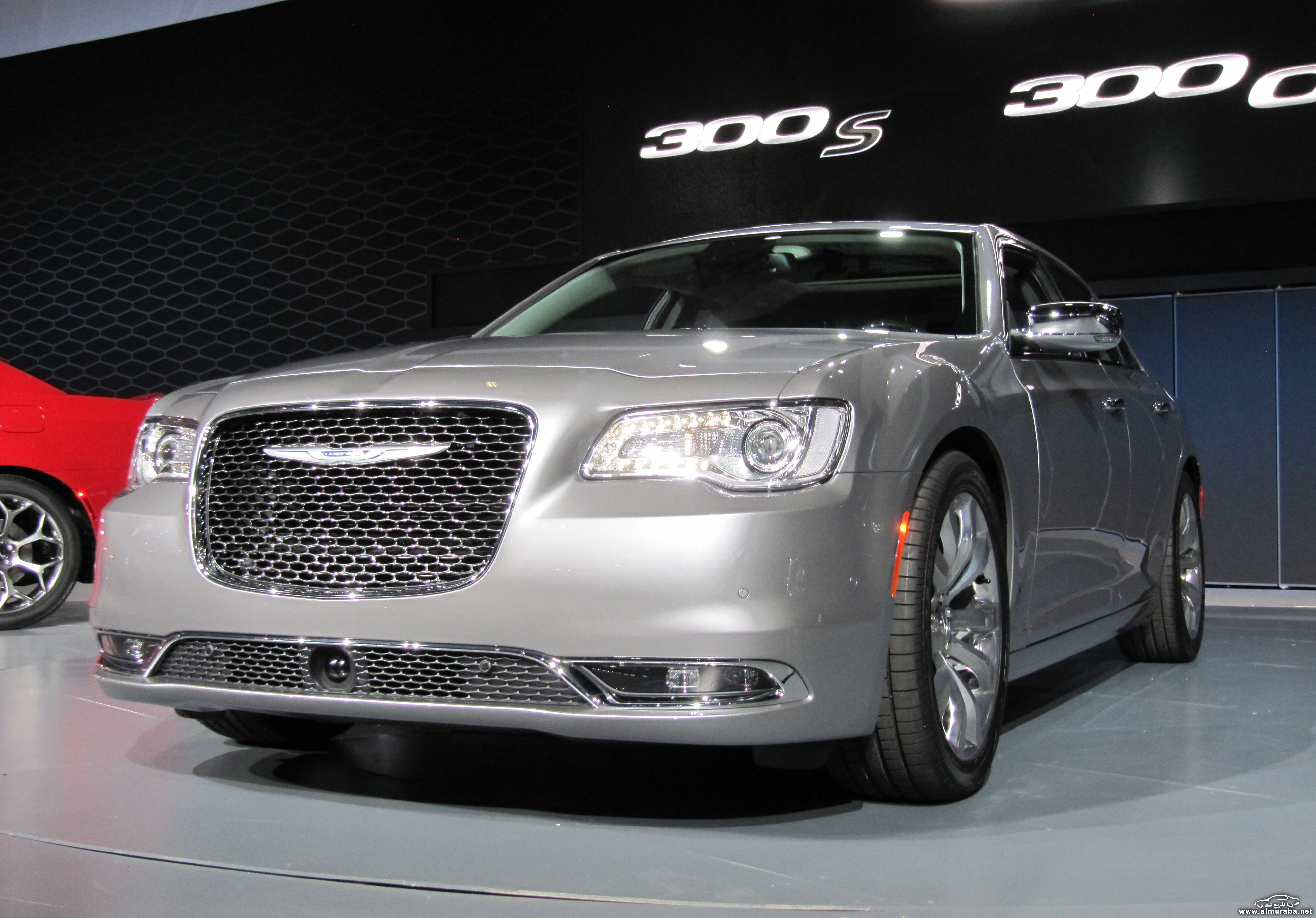 2015-chrysler-300-unveiled-at-2014-los-angeles-auto-show_100490801_h