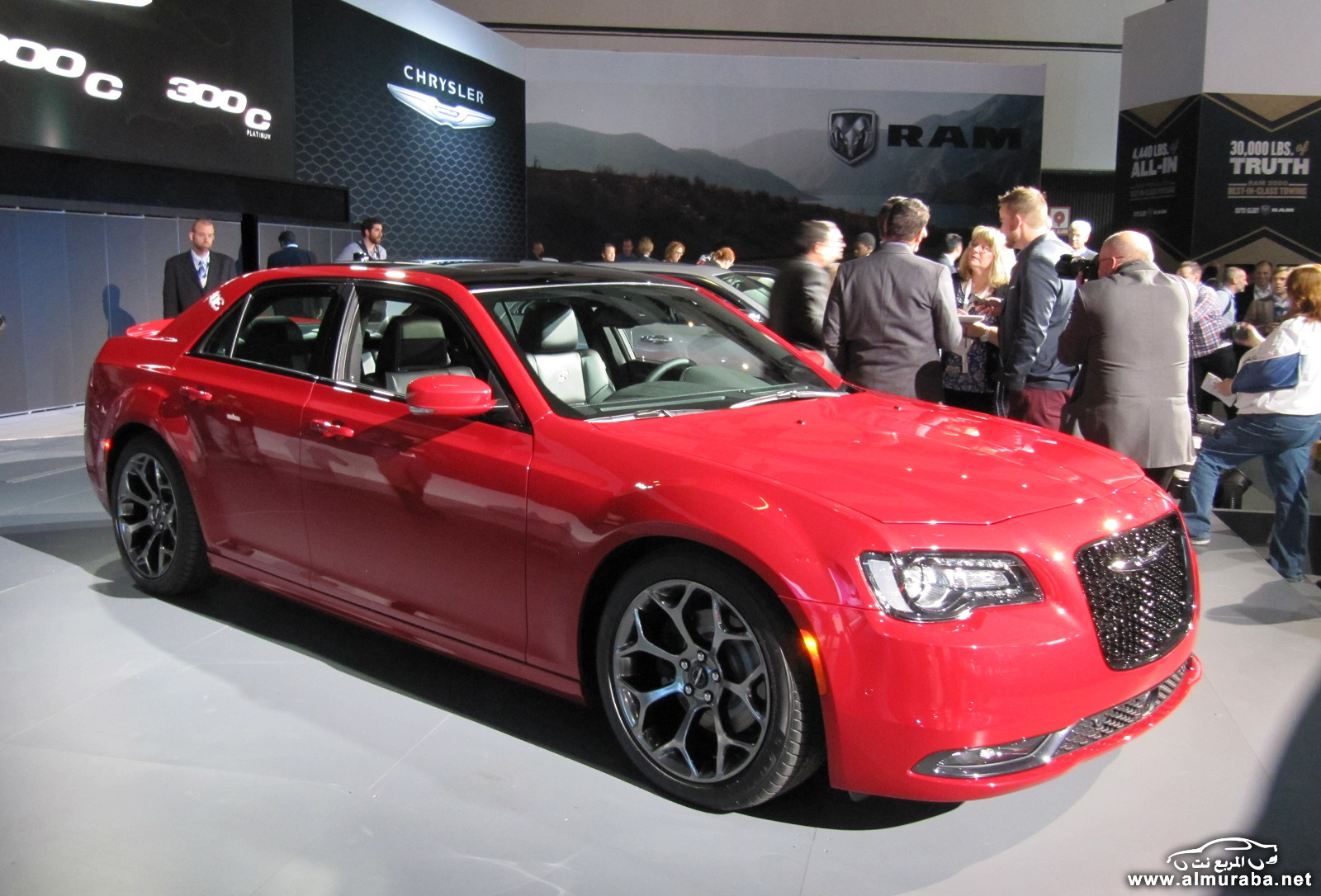 2015-chrysler-300-unveiled-at-2014-los-angeles-auto-show_100490802_h