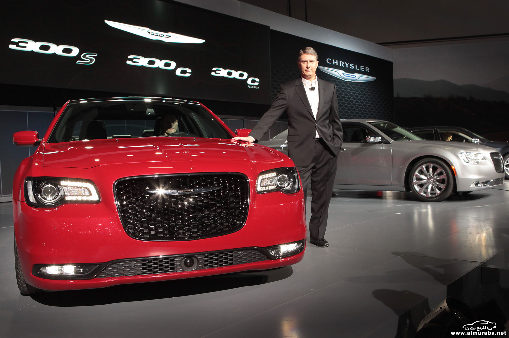 2015-chrysler-300s-on-stage