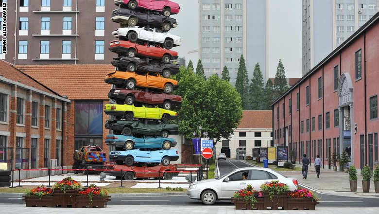 التلفزيون الصيني يرعب صانعي السيارات من مرسيدس وفولكس فاجن إلى نيسان ولاندروفر | المربع نت