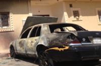 """""""بالصور"""" شاحن جوال يتسبب في حرق سيارة وأجزاء من منزل بمدينة الرياض"""