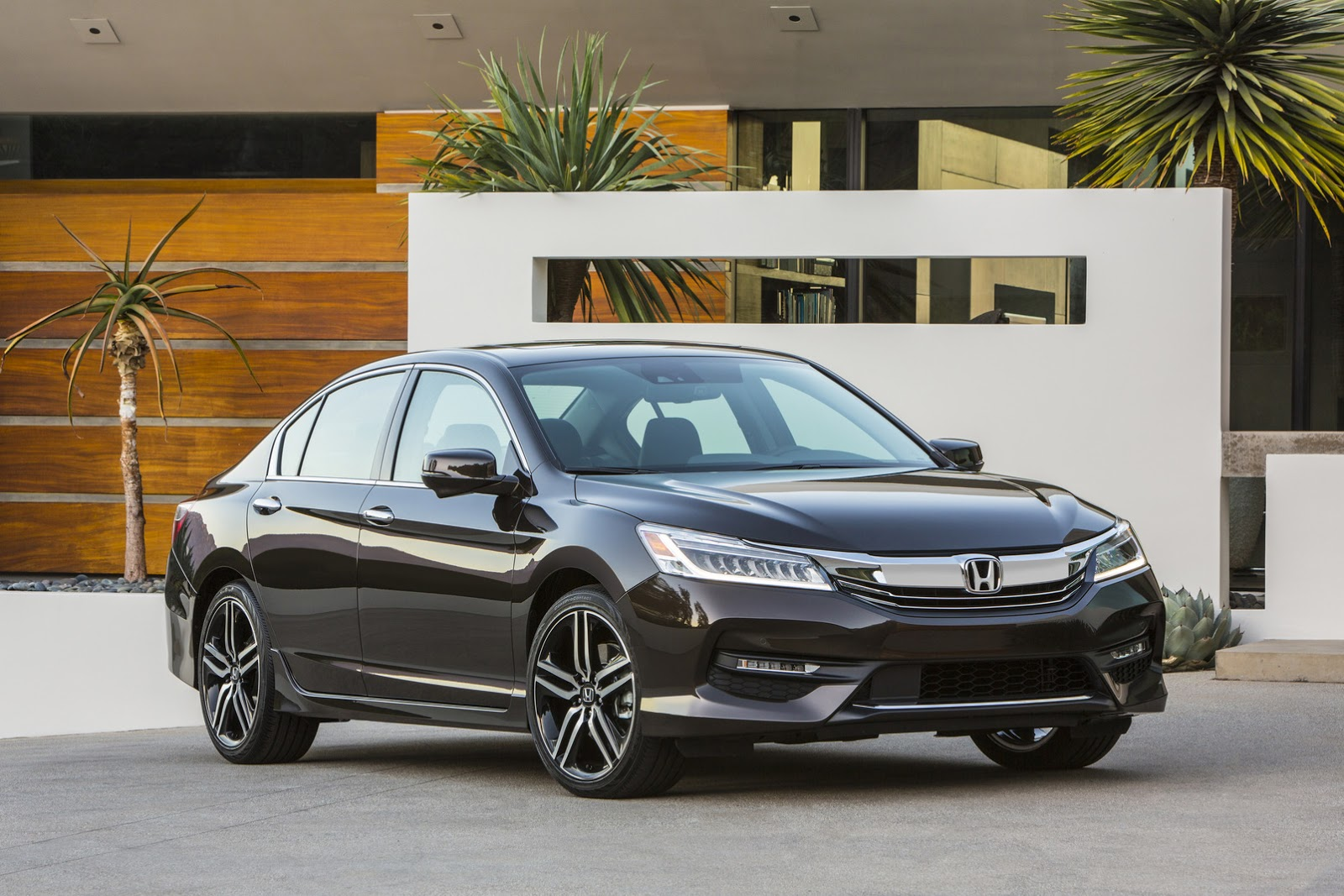 """هوندا اكورد 2016 تكشف نفسها رسمياً وتحصل على فيس ليفت """"صور ومواصفات واسعار"""" Honda Accord   المربع نت"""
