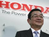 """""""فيديو"""" شاهد رئيس شركة سيارات يابانية كبرى لا يمتلك سيارة"""